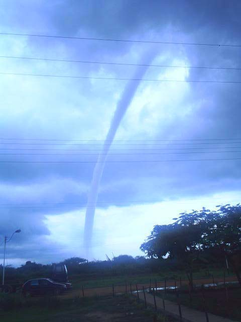 Venezuela tornado en barcelona sin consecuencias en barcelona - Tornados en espana ...